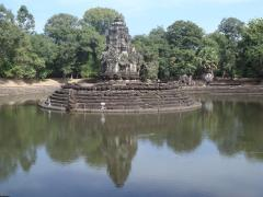 Escaping the heat at Neak Pean